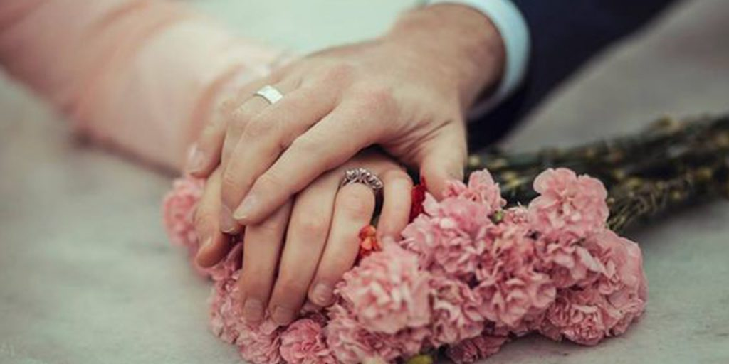 Five Ultimate Tips to Choose Photographer for Engagement Ceremony