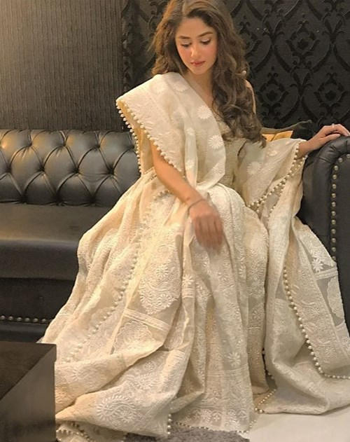 Our very own stunner Sajal Aly made us swear to go for white with this elegant formal look.
