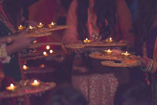 Bride's Entrance Among Thaalis