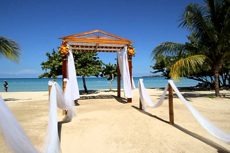 negril beach jamaica.jpg