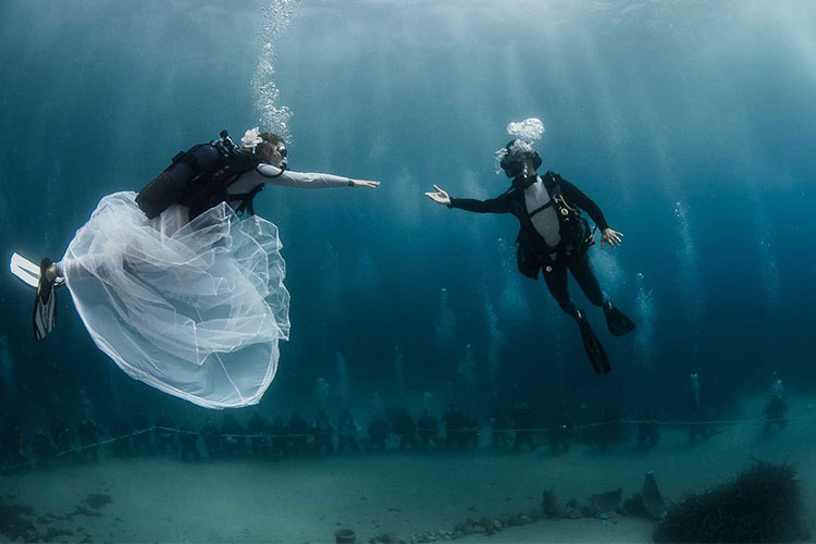 underwater-wedding 1.jpg