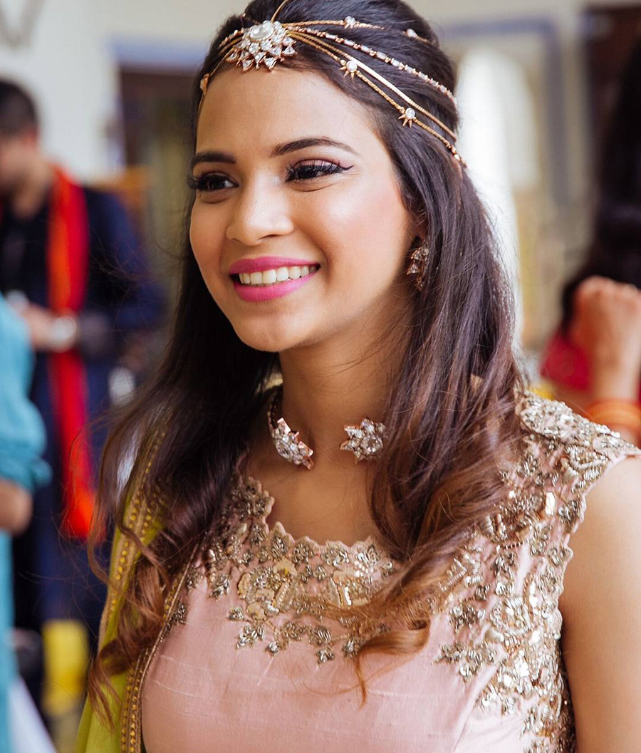 Mehndi Hair Style Ideas For The Bride S Best Friend Bridals Pk
