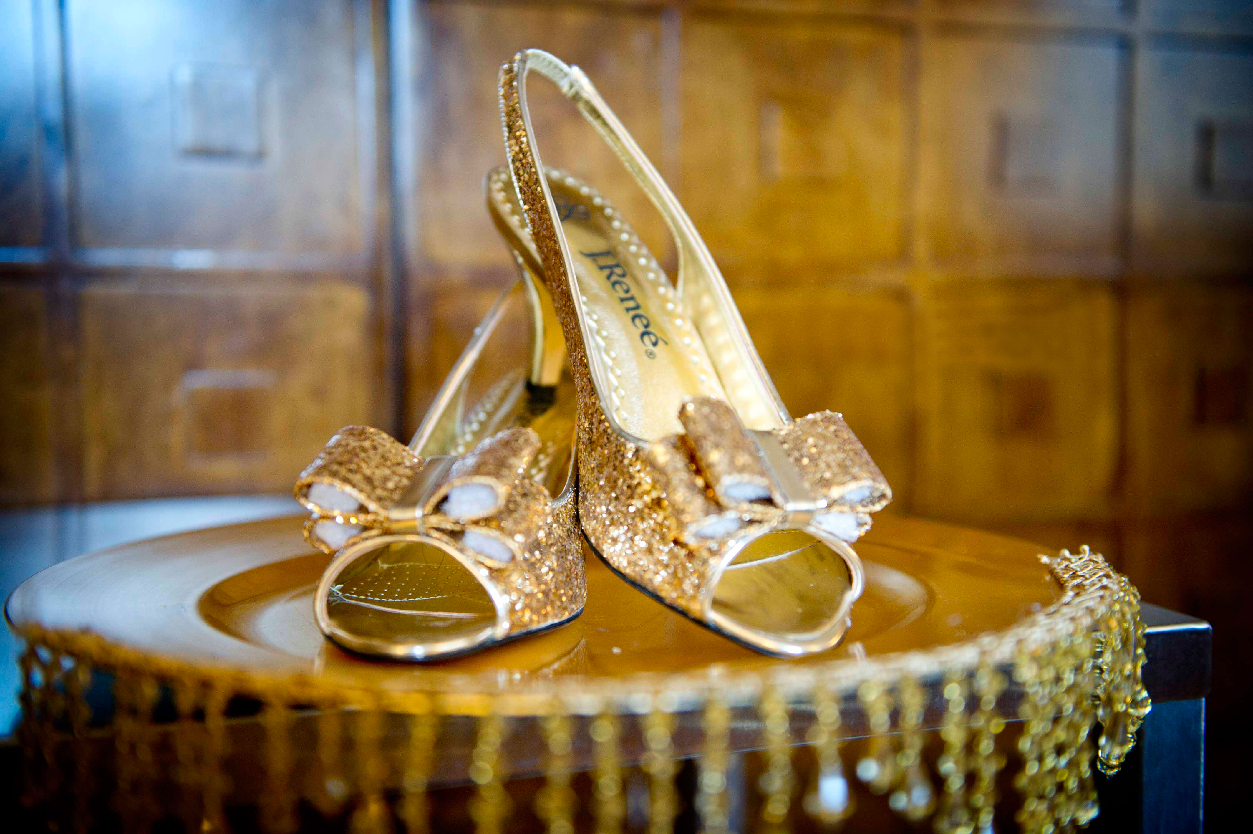 Move over Jimmy Choo! Here are Pakistan's Equally Stunning Shoe Options For Your Big Day!