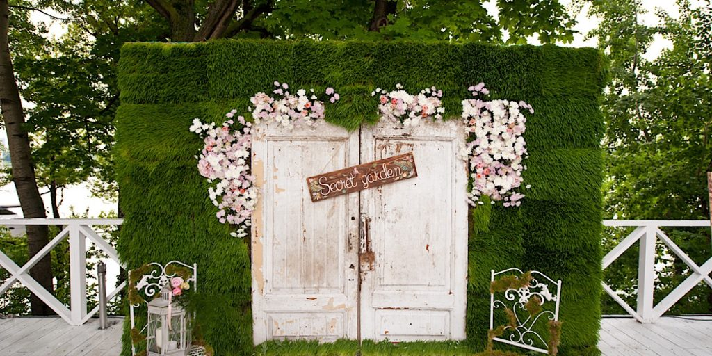 The Oh-So-Amazing Backdrop Ideas for your Bridal Shower!