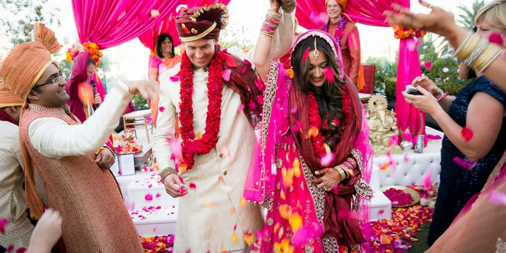 6 Wedding Exit Toss Alternatives For a Trendy Farewell