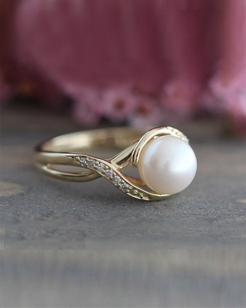 Yellow Gold Infinity Diamond and Pearl Ring
