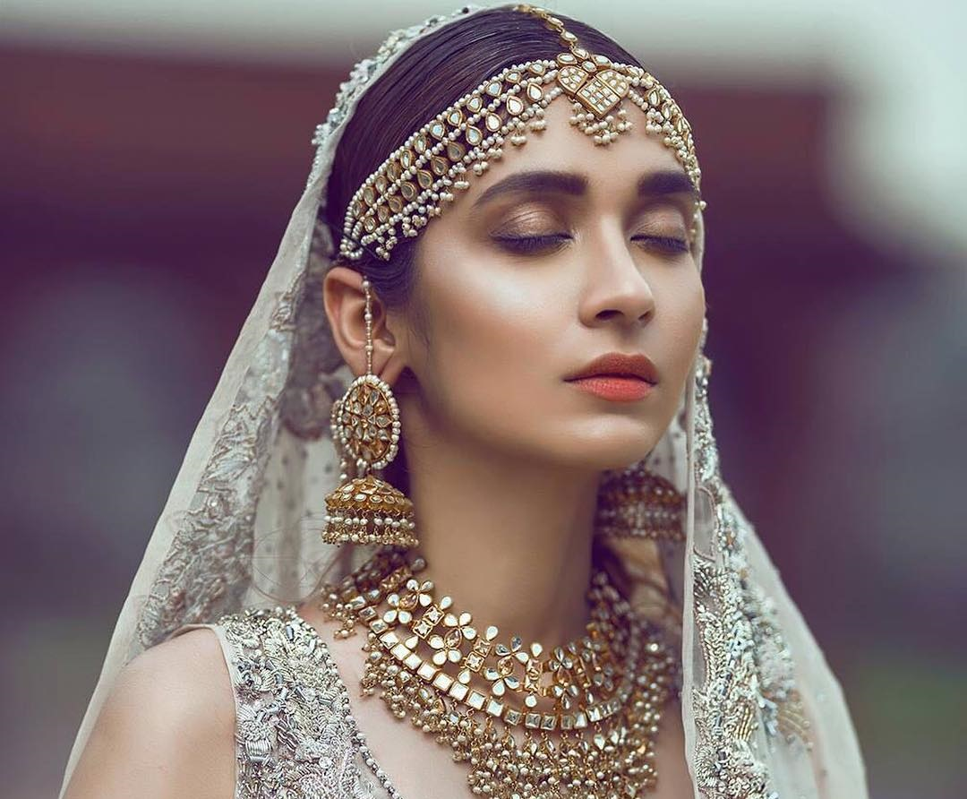 The Bold and The Beautiful: Add The Extra In Your Earrings This Wedding Season