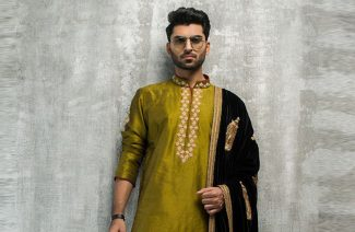 Dear Groomsmen, Here's Every Look You Can Carry On Your BFF's Mehndi