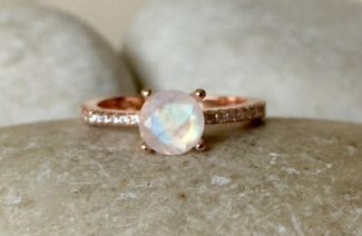 Proof Why Diamond and Moonstone Rings Are Going To Be The New Craze!