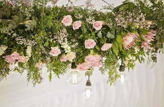 17 Gorgeous Floral Hanging Arrangements For Your Wedding