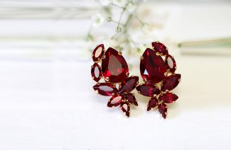 Red Flashes: All The Accessories You Need For Your Post-Marriage Collection