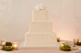 15 Square Wedding Cakes Perfect For Modern Couples