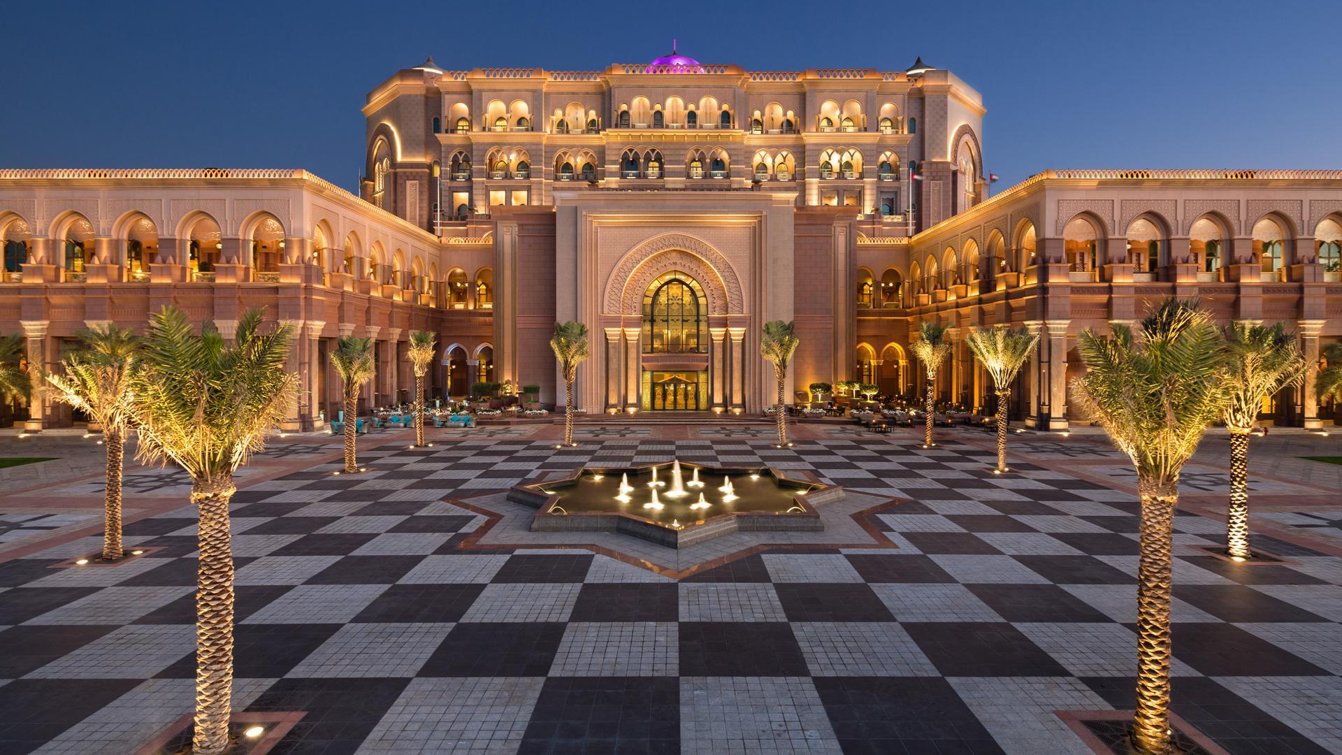 4.Abu Dhabi, UAE