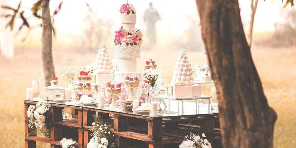 Here's How You Can Save Money On Bridal Shower