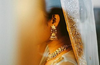 Less is More: Bridal Jewelry Looks That Make More Look Like A Total Bore!