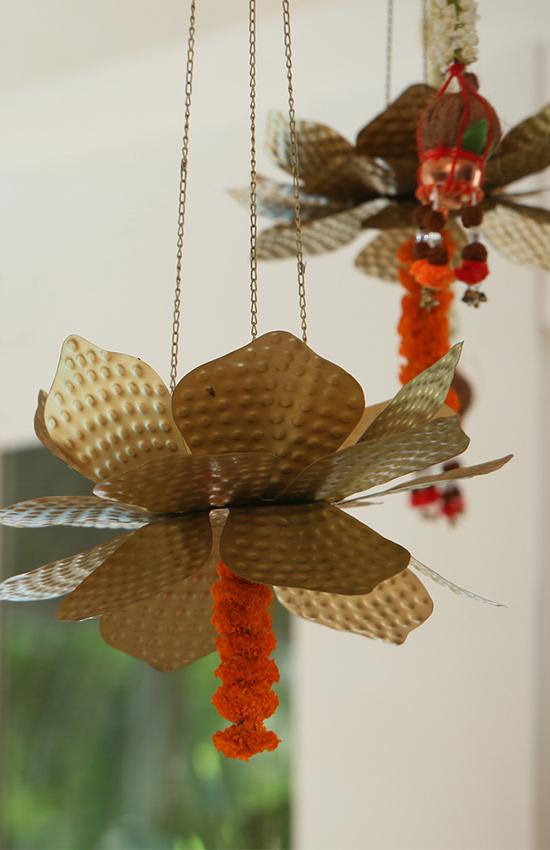 19.Paper Lotus Paired with Orange Marigold