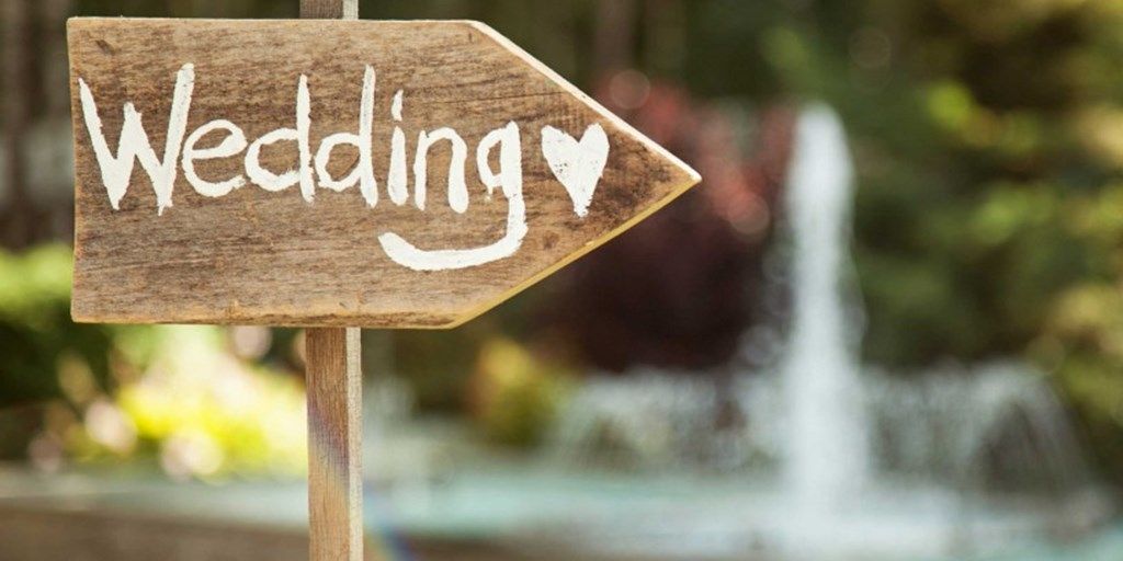 Here's Why And How To Negotiate Money With Your Wedding Vendors