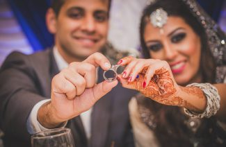 8 Essential Tips Every Groom Should Know Before Buying a Ring For His Bride