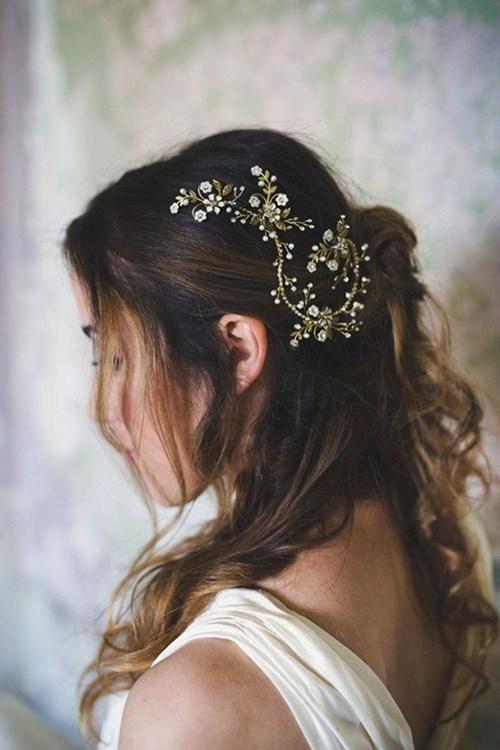 Curled Floral Hair Vine