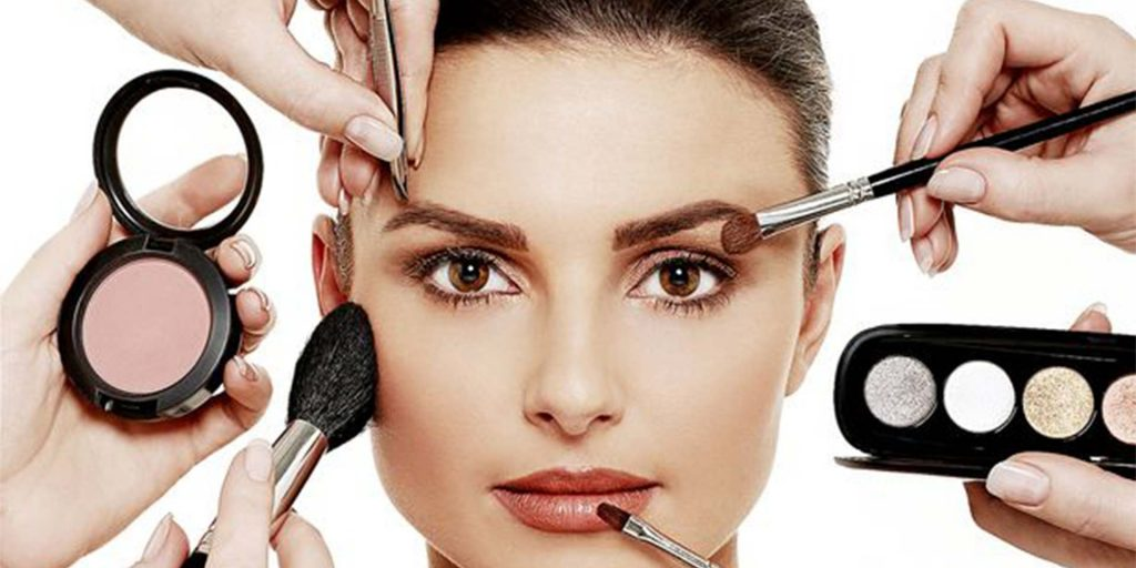 5 Mistakes You Are Probably Making When Applying Makeup