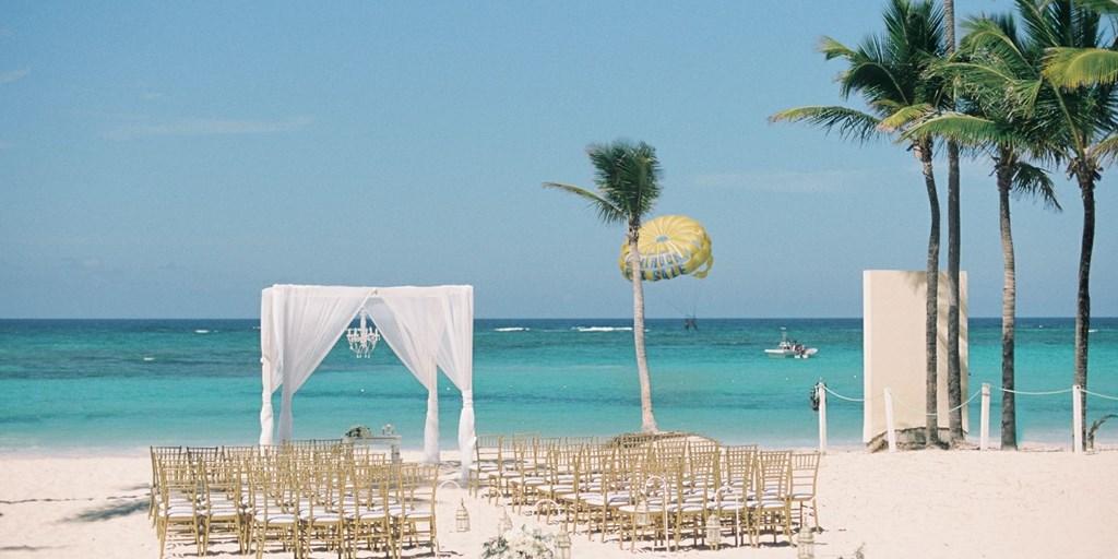 Say 'Qabool Hai' At These Ten Beach Wedding Destinations in Asia