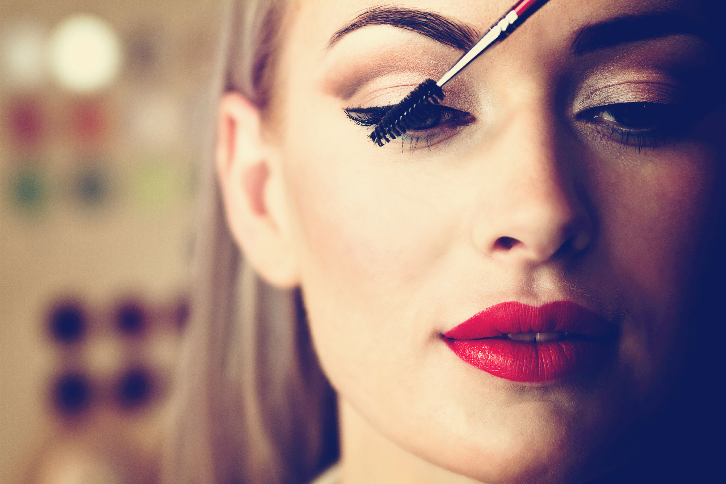 A Makeup Artist's Tips And Techniques For You To Note Down