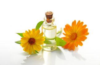 5 Benefits Of Castor Oil For Treating Dandruff
