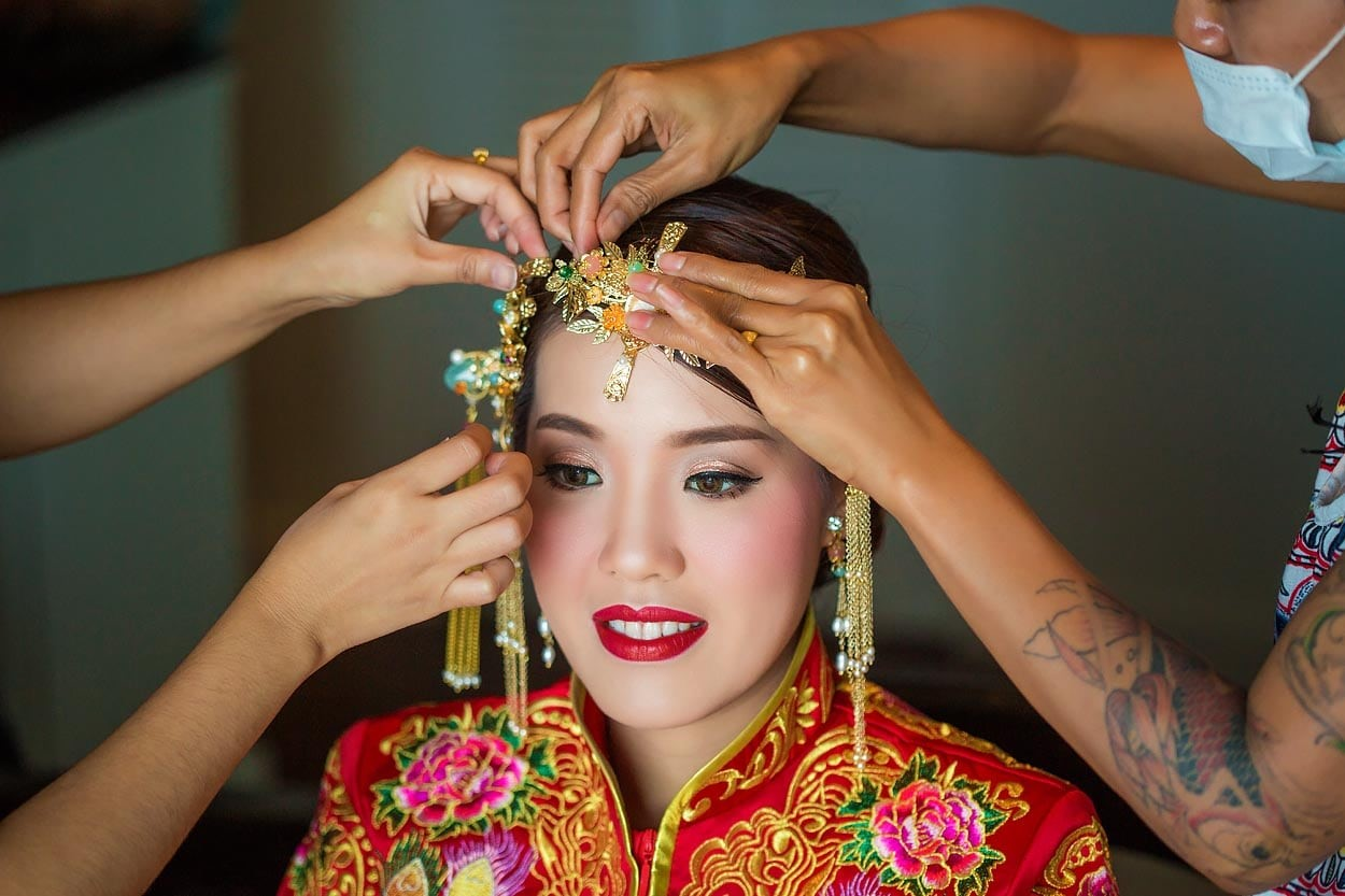 Wedding Around The World: These Chinese Bridal Headpieces Will Put Yours To Shame