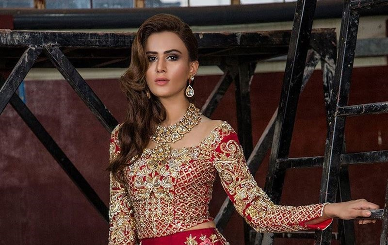 Bridal Dress Designs to Nullify the December Effect