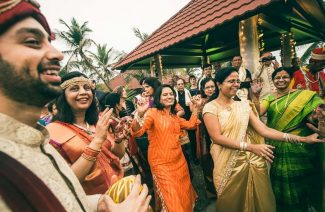 How to Make Your Guests Attend Your Destination Wedding?