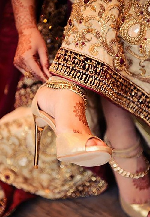 4.	Bring your wedding shoes