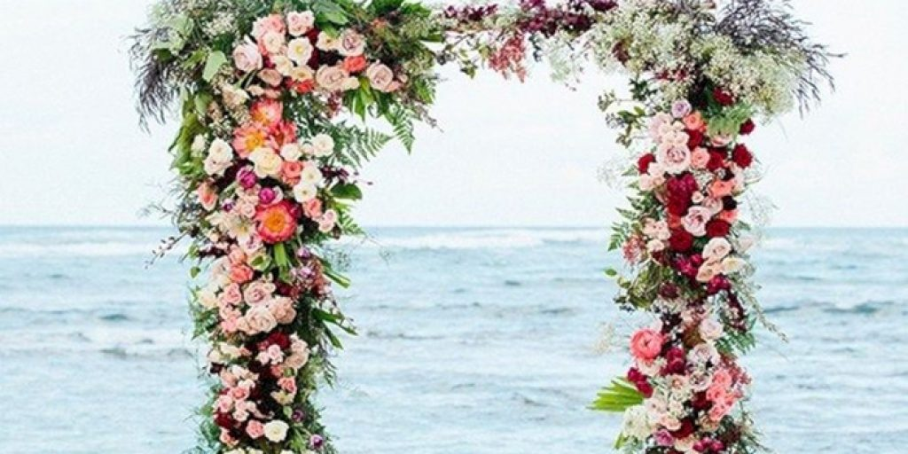 10 Floral Arches For Your Wedding Venue