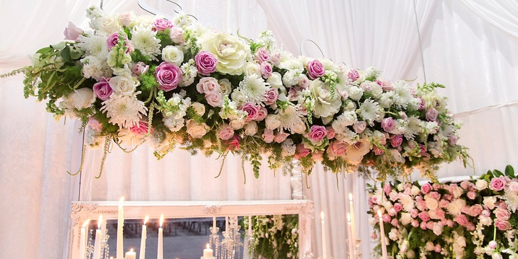 25 Innovative Flower Décor Ideas For Your Wedding
