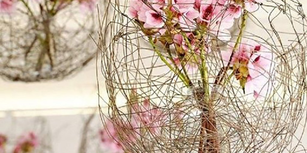 12 Very Unique Ideas Of Incorporating Flowers In Your Wedding