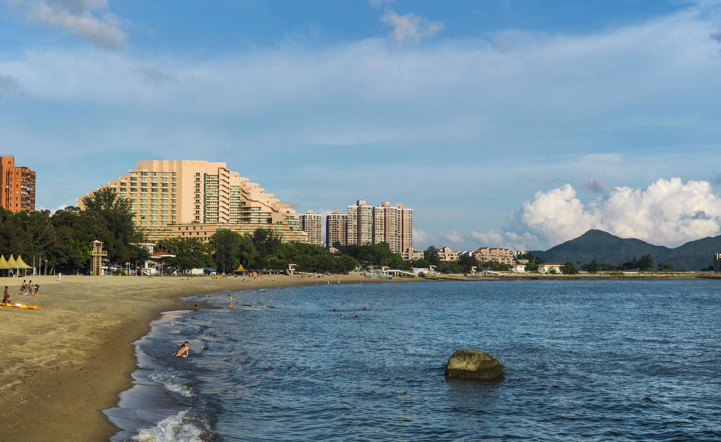 2.Gold Coast Hotel, Hong Kong