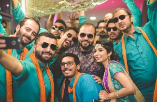 Dress Up Your Groomsmen In These Dashing Colour Themes For Mehndi