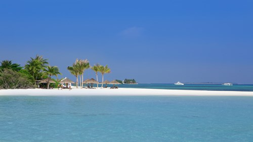 4.	Kuredu Island Resort & Spa, Maldives
