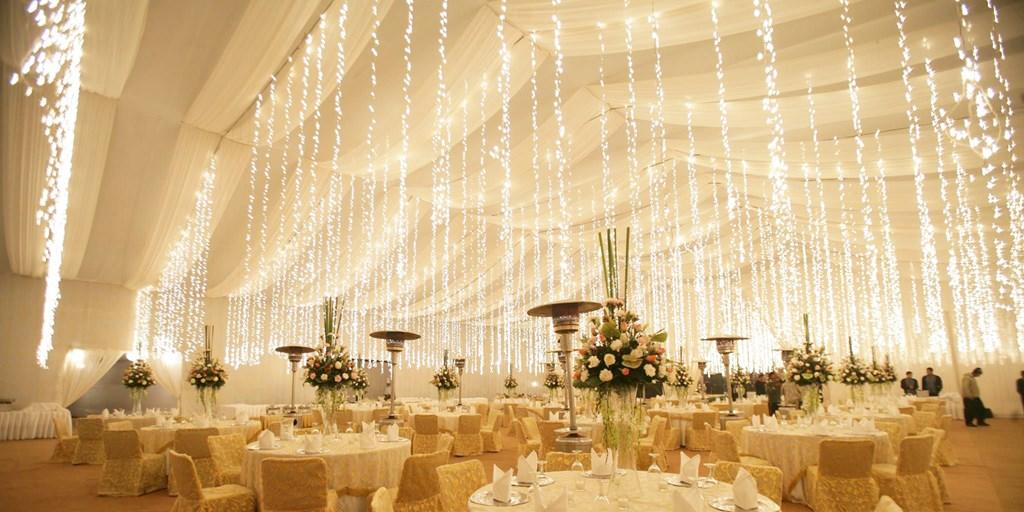 Light Up Your Wedding With These Creative Fairy Light Décor Ideas!