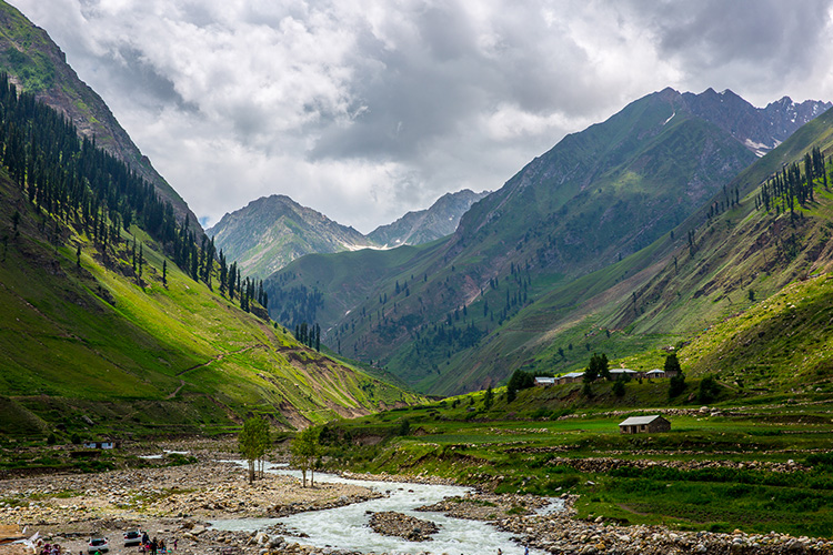 naran valley.jpg