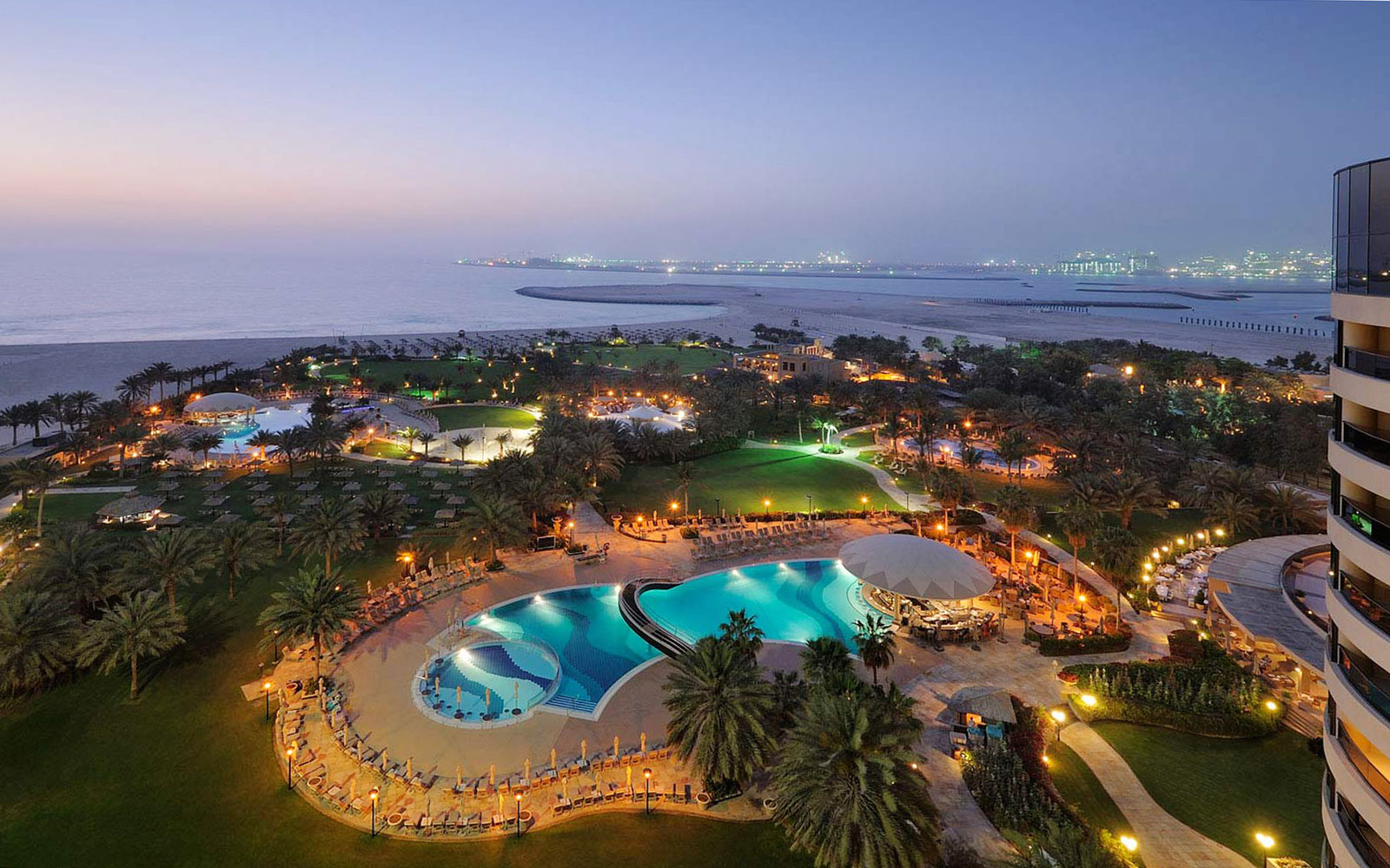 10.	Le Royal Meridien Beach Resort & Spa