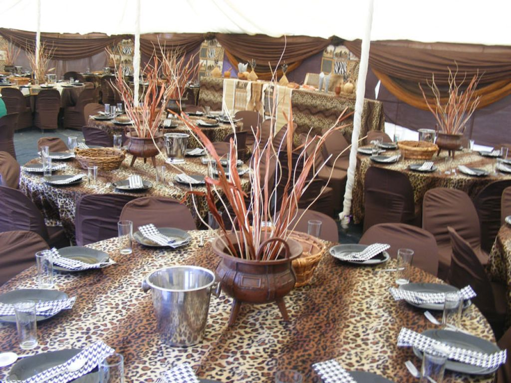 4.	African Inspired Crockery