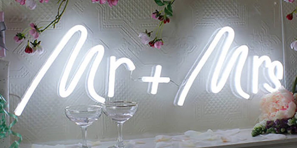 25 Ideas Of Using Neon Signs In Your Wedding Décor