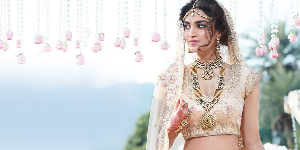 Statement Jewelry To Complete Your Wedding Look