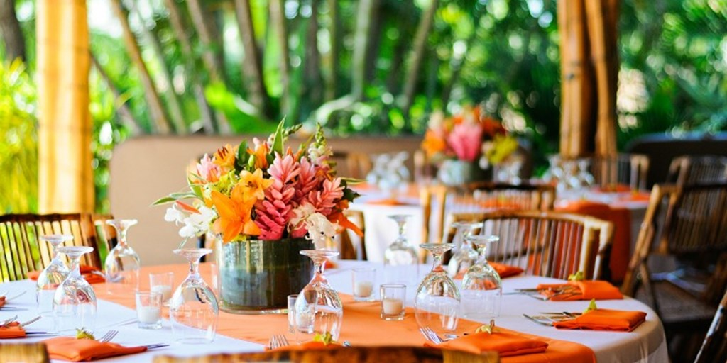 10 Unique Destination Wedding Centerpieces You Would Fall For