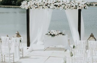 This is How You Should Negotiate with the Destination Wedding Vendors
