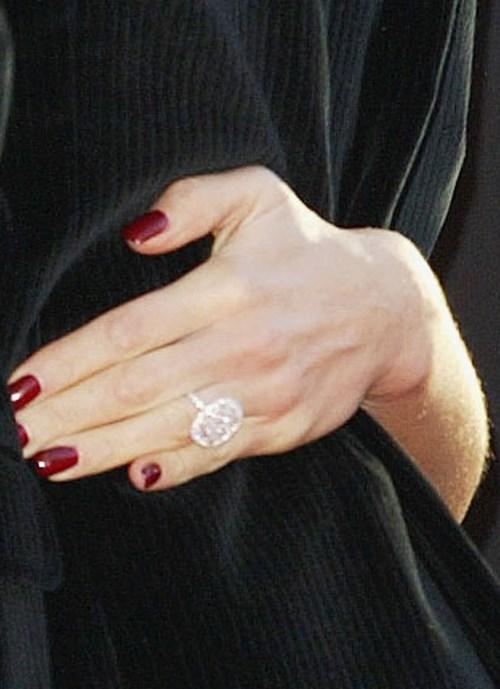 2004: Oval Cut Diamond Ring, $1.1m