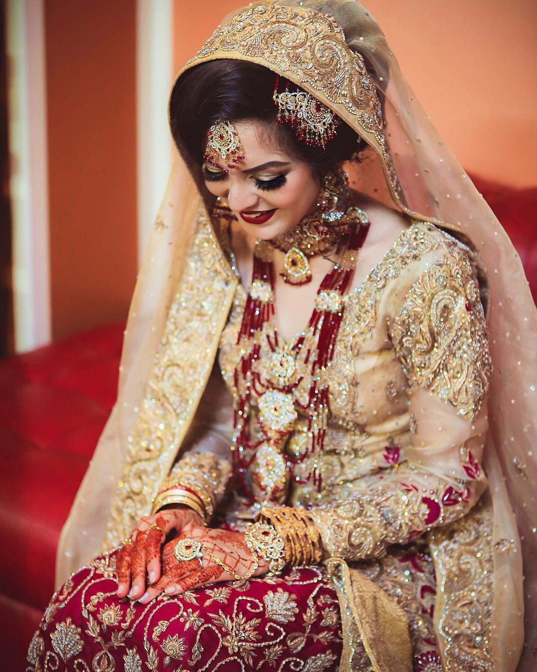 6 Tips On Choosing The Ideal Wedding Day Hairstyle