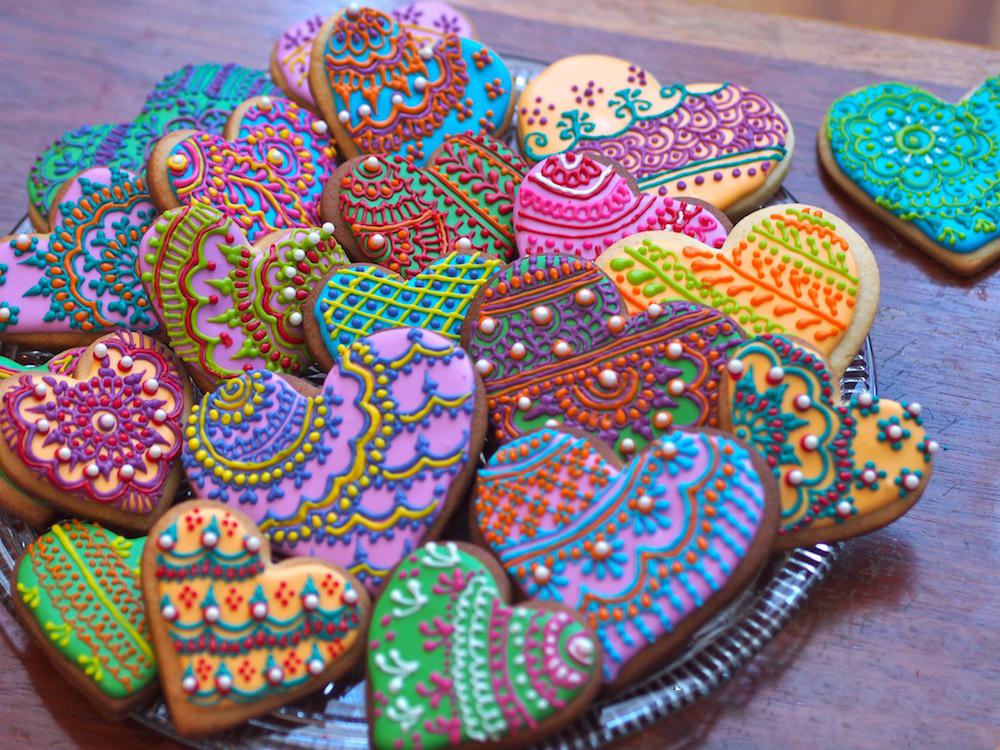 6.Cookies With Henna Design