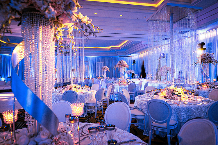 Exclusive & Modern Décor Ideas For Your Winter Wedding!