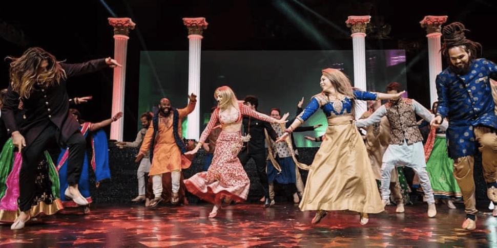 Mehendi Dance Performance